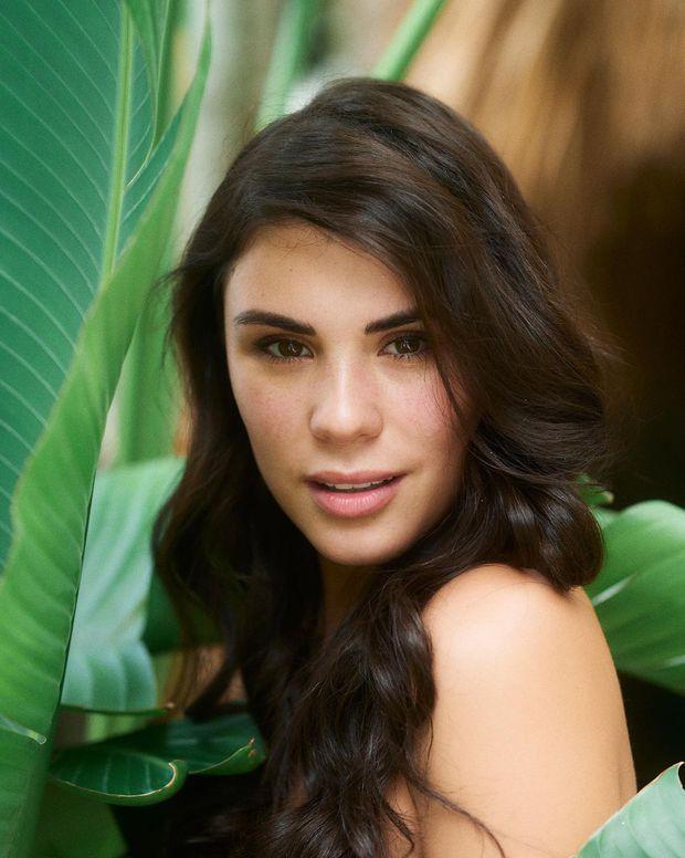 Chụp ảnh mặt mộc nhưng thí sinh Miss Universe vẫn gắn mi giả dày cộm, nhìn mà thấy kém đẹp làm sao - Ảnh 10.