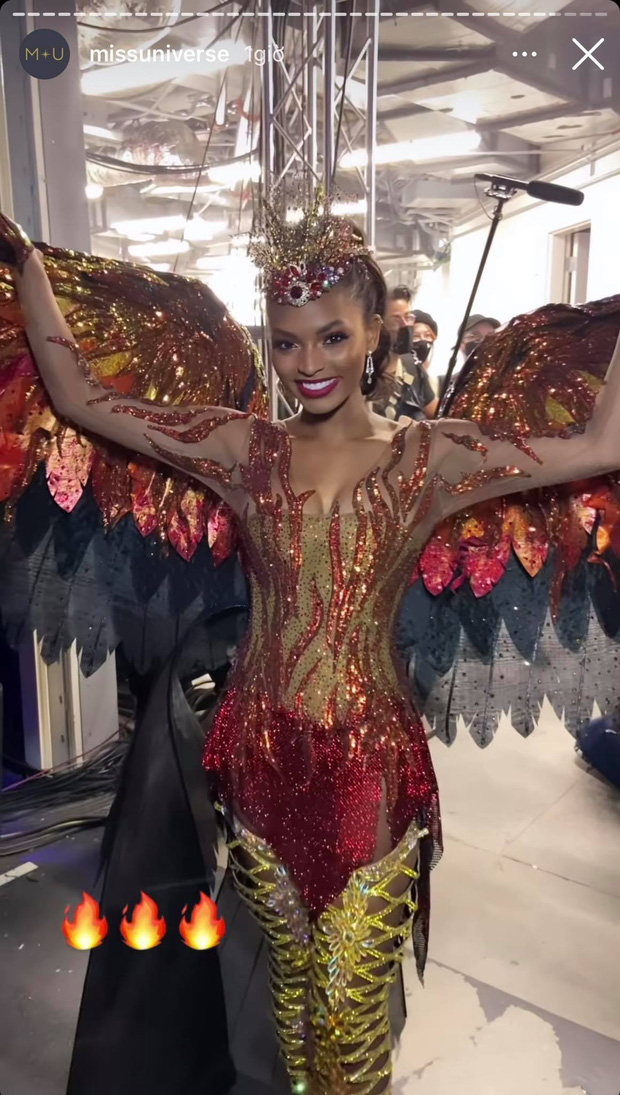 Đêm thi quốc phục Miss Universe: Khánh Vân lộ diện cực thần thái với cú xoay catwalk gây sốt, nhiều nàng hậu gặp sự cố sân khấu - Ảnh 32.