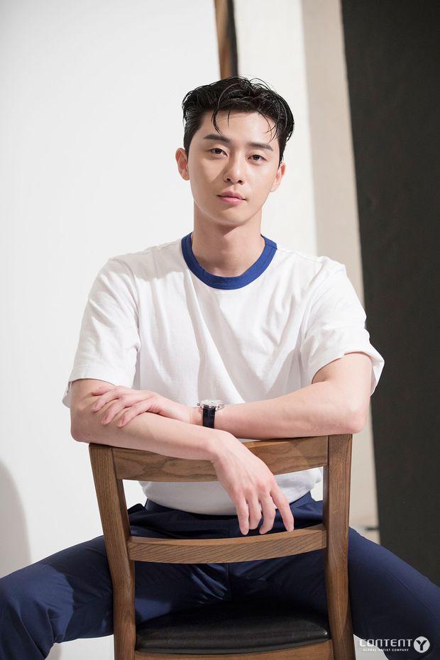 Park Seo Joon rục rịch tái xuất sau Tầng Lớp Itaewon nhưng motif phim cứ na ná hai bom tấn trước - Ảnh 1.