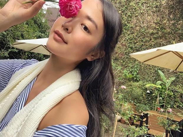 Nữ chính trong MV mới của Đen: Thả rông suốt ngày mà không phô phang, makeup siêu nhẹ mà vẫn xinh điên đảo - Ảnh 1.