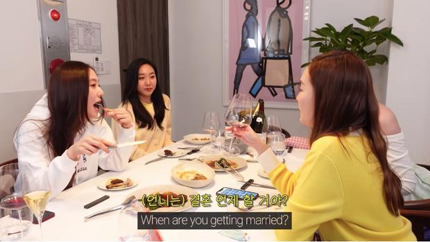 Em gái Krystal vừa hỏi chuyện, Jessica đã lộ luôn hint chuẩn bị cưới bạn trai đại gia sau 8 năm bên nhau? - Ảnh 2.