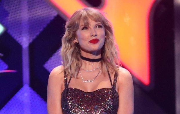 Taylor Swift lột xác ngoạn mục trên thảm đỏ nhờ giảm cân: Visual đỉnh body nuột hẳn, nhưng vòng 1 khủng biến đâu rồi? - Ảnh 12.
