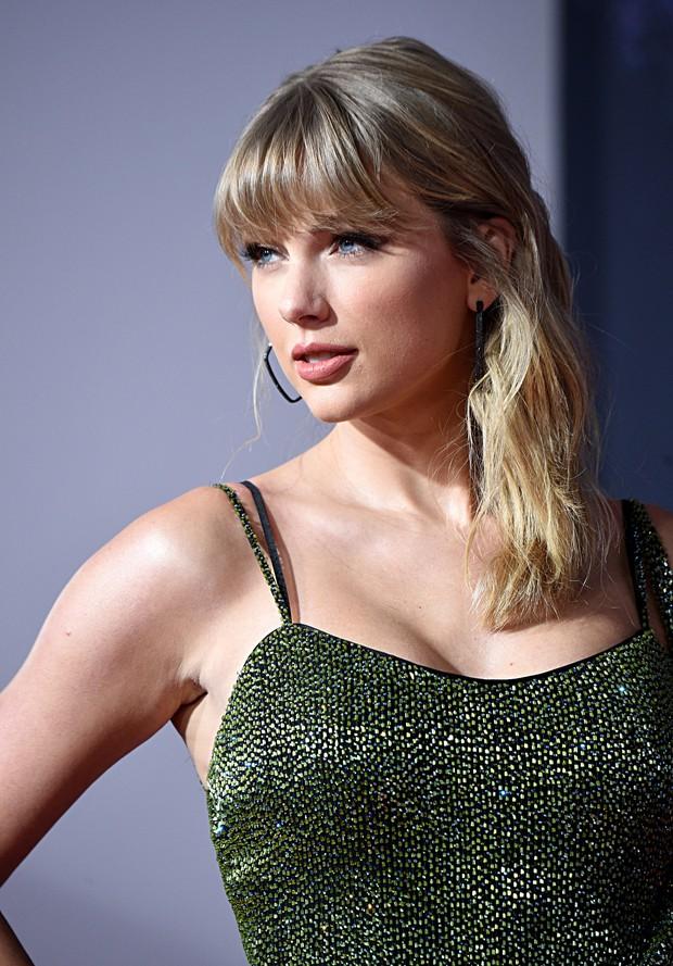 Taylor Swift lột xác ngoạn mục trên thảm đỏ nhờ giảm cân: Visual đỉnh body nuột hẳn, nhưng vòng 1 khủng biến đâu rồi? - Ảnh 15.