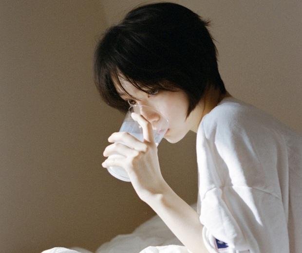 5 thức uống giúp phụ nữ xua tan cơn đau bụng kinh, thậm chí còn giúp đẹp da, làm chậm lão hóa nếu dùng điều độ - Ảnh 2.