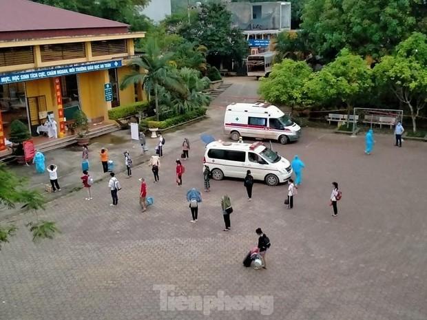 Lạng Sơn: Nữ sinh nhiễm COVID-19, hàng loạt giáo viên, học sinh cách ly  - Ảnh 2.