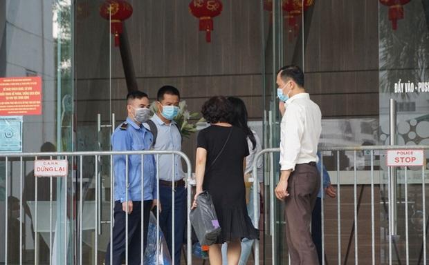 Hà Nội: Xác định 8 F1, tạm đóng cửa nhà hàng Thế giới Hải sản do vợ chồng Giám đốc Hacinco từng đến ăn - Ảnh 1.