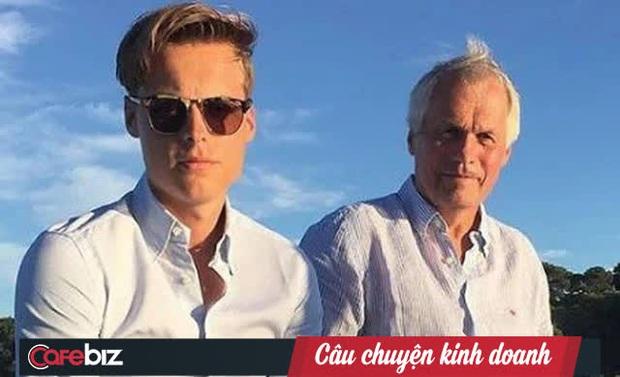 Thiếu gia thừa kế đế chế cá hồi hàng đầu Na Uy: Người mẫu điển trai sở hữu hàng tỷ USD khi mới 19 tuổi, không vội tiếp quản công ty khi chưa đủ khả năng - Ảnh 1.