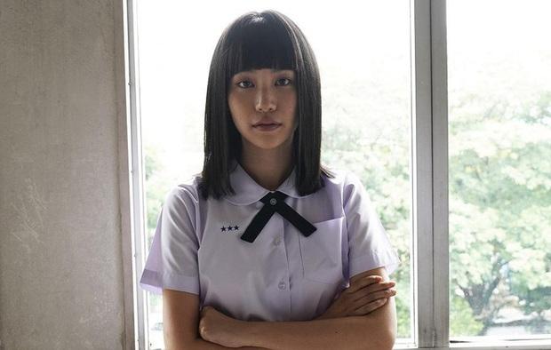 Đến Nanno (Girl From Nowhere) cũng mắc bệnh cột sống như Gen Z, cụ thể thế nào giải thích coi! - Ảnh 1.