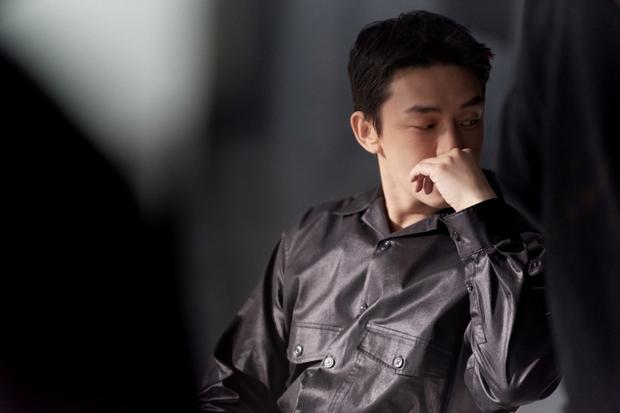 Ảnh Đế Yoo Ah In: Thoát mác bạn thân Song Hye Kyo để làm Ngựa điên xuất chúng màn ảnh Hàn - Ảnh 9.