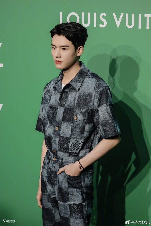 Cung Tuấn (Sơn Hà Lệnh) bỗng thành mỹ nam hot nhất MXH bởi màn sốc visual: Ngũ quan sắc sảo, chấp luôn cả ảnh không PTS - Ảnh 2.