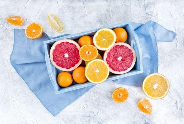 Giảm cân mùa hè: Thực đơn tiêu mỡ, dưỡng da láng mịn của Trần Kiều Ân hóa ra chỉ nhờ 1 loại quả mọng nước - Ảnh 9.