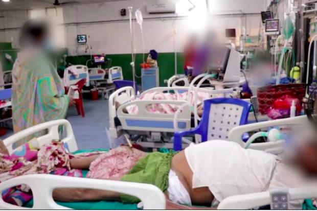 Vượt qua Ấn Độ, tâm chấn Covid-19 đang chuyển hướng sang nước láng giềng, tỉ lệ nhiễm bệnh cao gấp đôi - Ảnh 5.