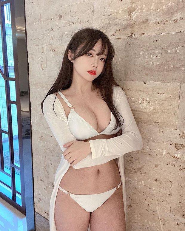 Off livestream quá lâu, nữ streamer gợi cảm đăng ảnh bikini gợi cảm để bù đắp cho fan rồi hỏi: Đủ chưa? - Ảnh 5.