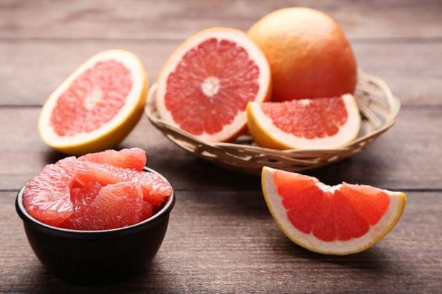 Giảm cân mùa hè: Thực đơn tiêu mỡ, dưỡng da láng mịn của Trần Kiều Ân hóa ra chỉ nhờ 1 loại quả mọng nước - Ảnh 8.