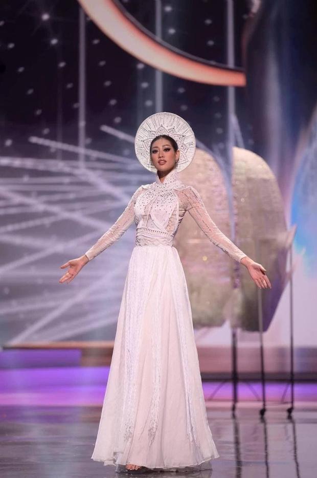 Xem Khánh Vân diễn Kén Em ở Miss Universe, netizen bất ngờ liên tưởng đến thí sinh RuPauls Drag Race - Ảnh 2.