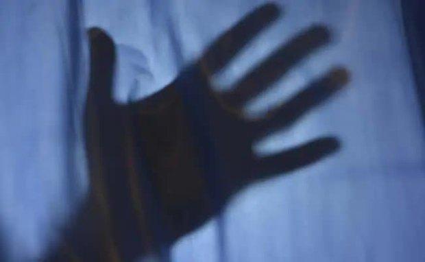 Vụ án gây phẫn nộ giữa địa ngục Covid Ấn Độ: Nữ bệnh nhân bị y tá cưỡng hiếp trong bệnh viện, tử vong ngay sau đó - Ảnh 2.