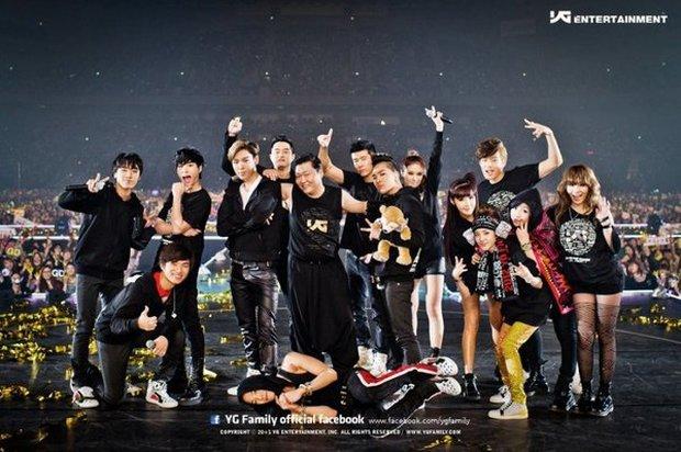 Bồi hồi nhìn lại bức ảnh YG Family 10 năm trước giờ đã mất đi 12 người, chỉ còn lại BIGBANG mà thôi - Ảnh 5.