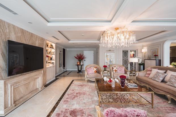 Biệt thự trên không rộng 300m2 của vợ chồng Hà Nội: Giá trị 13 tỷ đồng, phong cách tân cổ điển vừa sang vừa hút mắt - Ảnh 3.