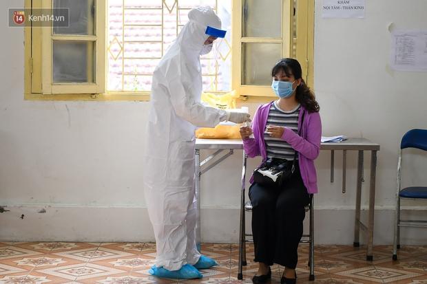 Hà Nội khẩn cấp xét nghiệm Covid-19 cho người về từ Đà Nẵng - Ảnh 9.