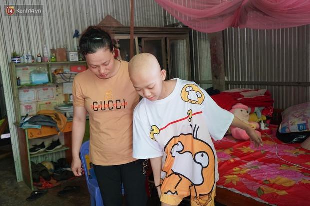 Đang học dở lớp 8, cô bé 14 tuổi phát hiện mắc bệnh ung thư xương, cha mẹ nghèo khóc cạn nước mắt tìm cách cứu chữa - Ảnh 6.