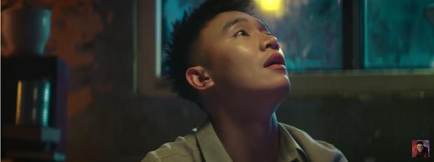 Bất ngờ với MV Vpop âm thầm #4 top trending khiến 9x đời đầu ùa vào trải lòng, đồng cảm đến bật khóc - Ảnh 4.