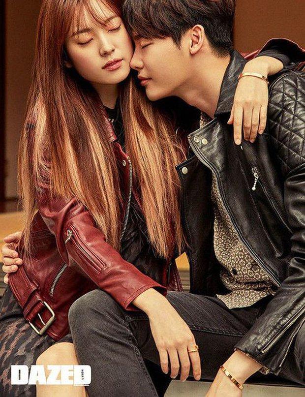 Top ảnh tạp chí đôi đẹp nhất xứ Hàn: Sốc nặng bàn tay hư Yoo Ah In đặt lên body bà cả Thế Giới Hôn Nhân, Hyun Bin - Son Ye Jin đúng huyền thoại - Ảnh 14.