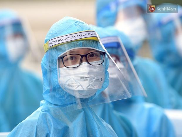 Ảnh: Đoàn 200 y bác sĩ Quảng Ninh lên đường hỗ trợ Bắc Giang chống dịch Covid-19 - Ảnh 10.