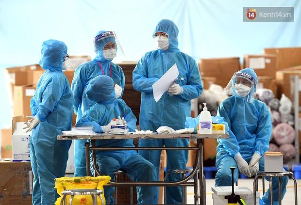 Ảnh: Đoàn 200 y bác sĩ Quảng Ninh lên đường hỗ trợ Bắc Giang chống dịch Covid-19 - Ảnh 14.