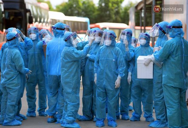 Ảnh: Đoàn 200 y bác sĩ Quảng Ninh lên đường hỗ trợ Bắc Giang chống dịch Covid-19 - Ảnh 8.