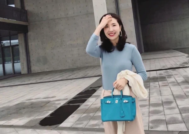Nhan sắc vợ chủ tịch Taobao trong ống kính người qua đường có còn chuẩn khí chất phu nhân tổng tài? - Ảnh 4.