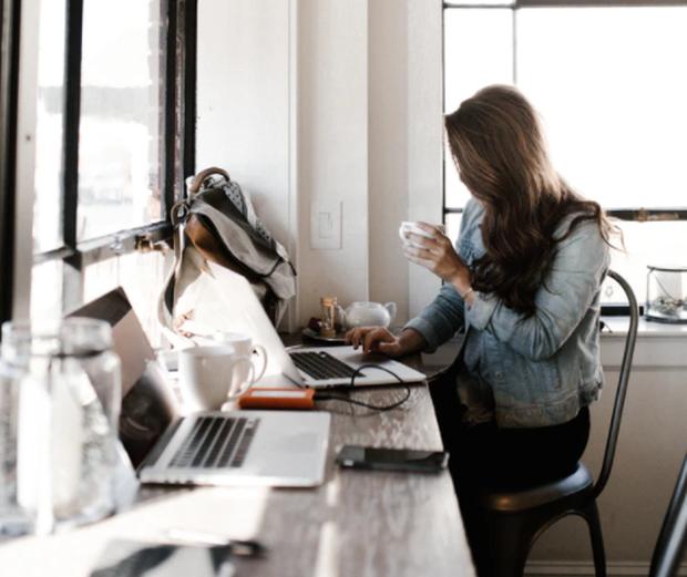 Top 6 công việc làm ở nhà nhưng thu nhập cao, nhu cầu nhân sự lớn trong 10 năm tới - Ảnh 2.
