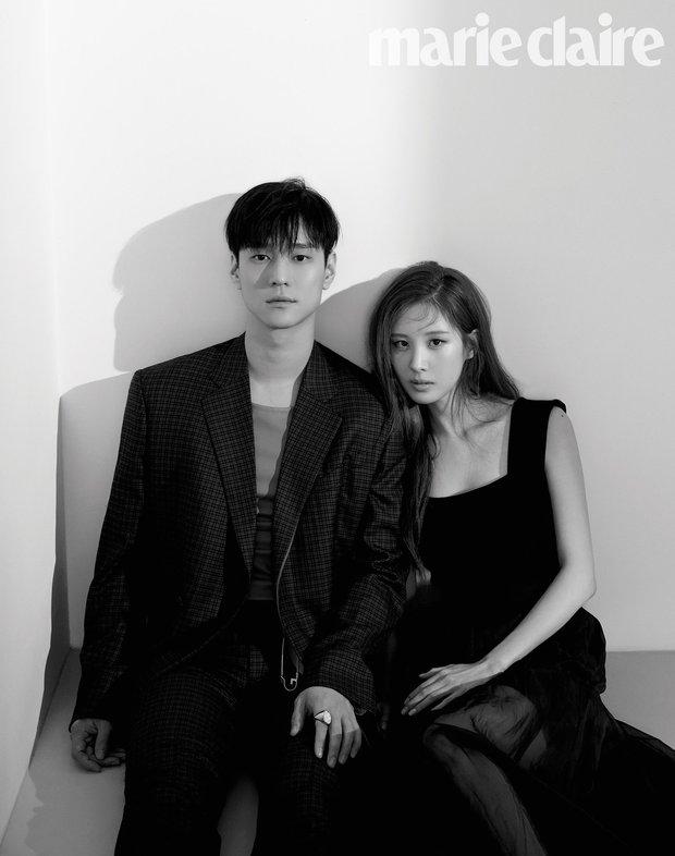 Top ảnh tạp chí đôi đẹp nhất xứ Hàn: Sốc nặng bàn tay hư Yoo Ah In đặt lên body bà cả Thế Giới Hôn Nhân, Hyun Bin - Son Ye Jin đúng huyền thoại - Ảnh 16.