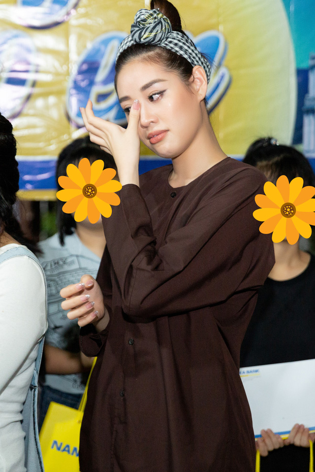 Cả hành trình mạnh mẽ nhưng Khánh Vân lại bật khóc sau đêm Bán kết Miss Universe, lý do khiến ai cũng xúc động - Ảnh 3.