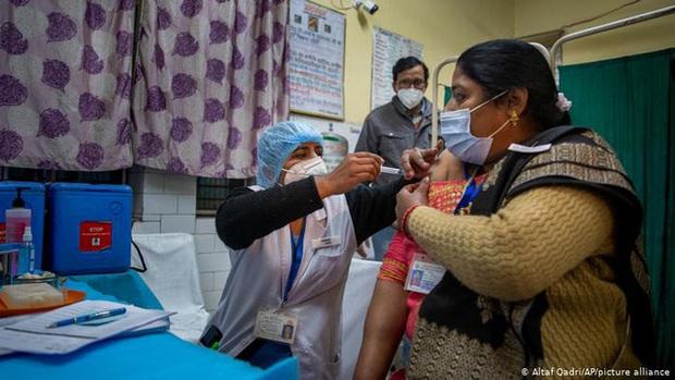 Hơn 162,4 triệu người nhiễm COVID-19 trên toàn cầu, số ca mắc mới liên tục giảm ở Lào, Campuchia - Ảnh 1.