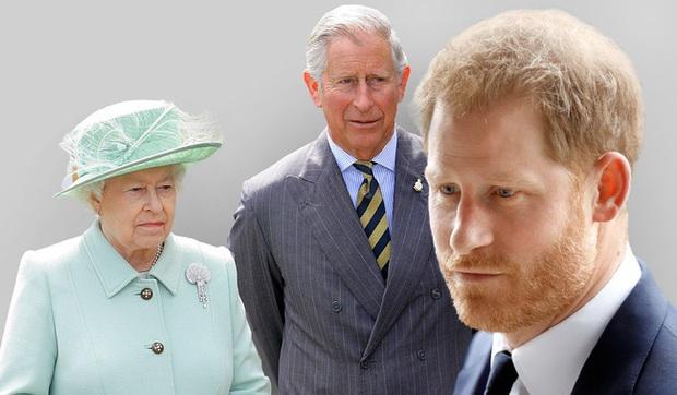 Đâm nhát dao chí mạng vào Hoàng gia Anh, Harry bị chỉ trích là thô lỗ, Meghan lại bị cho là đứng sau giật dây - Ảnh 2.