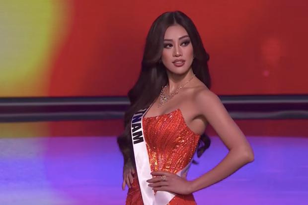 Cận cảnh trang phục dạ hội Khánh Vân diện tại Bán kết Miss Universe: Tinh xảo tôn trọn sắc vóc, bất ngờ ý nghĩa sâu sắc đằng sau - Ảnh 2.