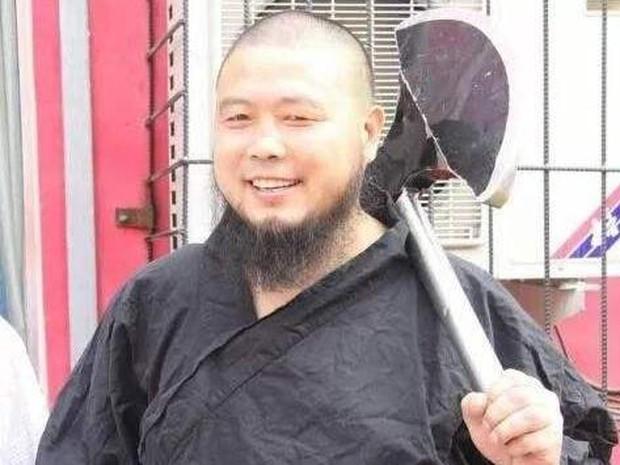 Lỗ Trí Thâm làng võ Trung Quốc bị cao tăng Thiếu Lâm đánh bại trong trận đấu gây cười - Ảnh 2.