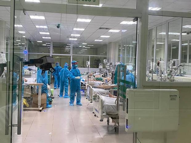GS Nguyễn Gia Bình: Số bệnh nhân Covid-19 nặng tăng cao, nghi ngờ do chủng virus mới - Ảnh 2.