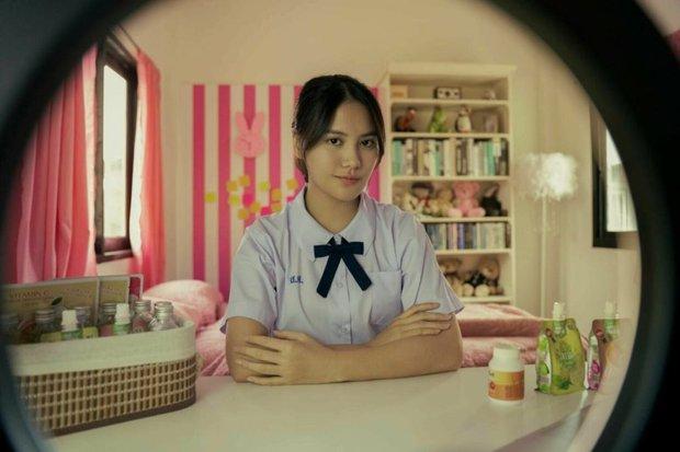 2 mỹ nữ đẹp hút hồn từ Girl From Nowhere 2: Người được yêu quý, kẻ bị ghét bỏ do drama cắm sừng mỹ nam nước Thái - Ảnh 2.