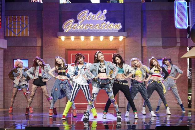 Nam idol nhà SM thản nhiên hát nhép... không cần mic, Knet thất vọng: Thật không coi ai ra gì! - Ảnh 4.