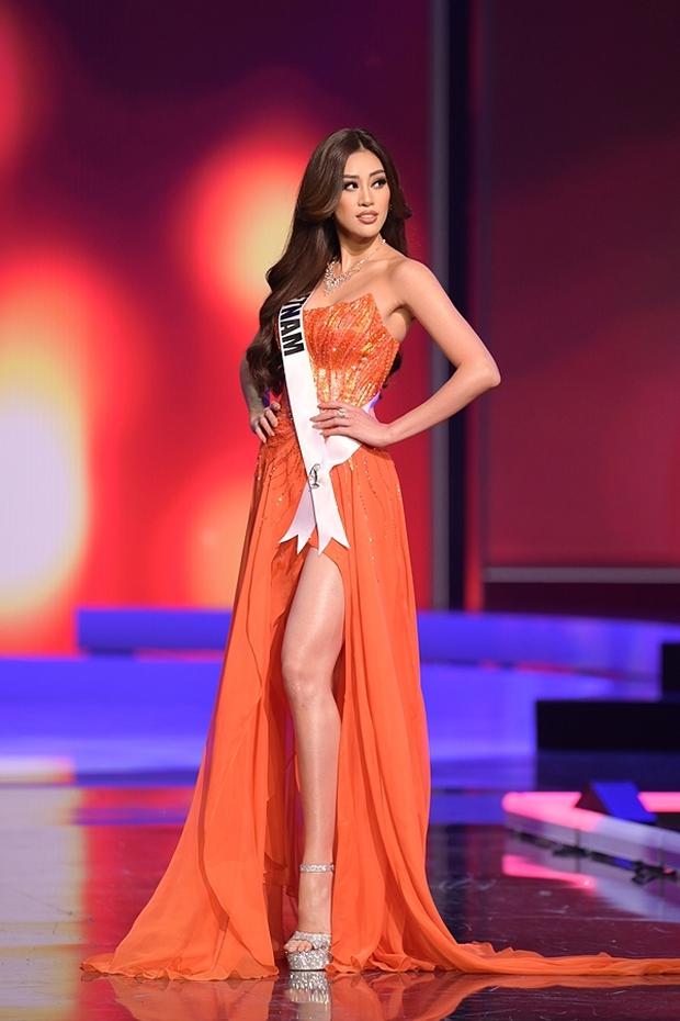 Khánh Vân bỗng bị tố copy màn thi dạ hội của HHen Niê năm nào ở Miss Universe từ dáng xoay đến trang phục? - Ảnh 5.