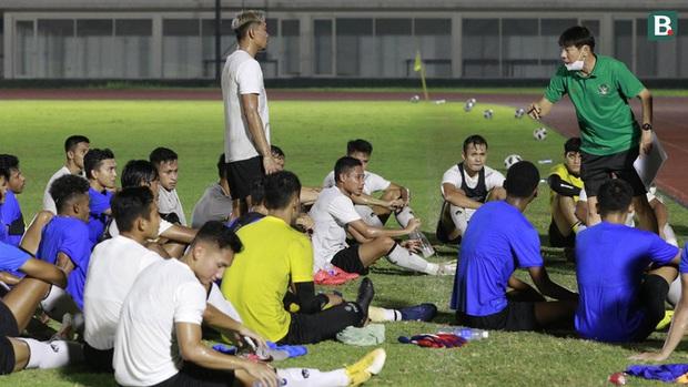 Tuyển Việt Nam loại 10 cầu thủ trước khi sang UAE - Ảnh 2.