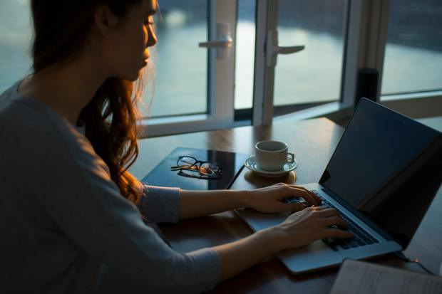 Top 6 công việc làm ở nhà nhưng thu nhập cao, nhu cầu nhân sự lớn trong 10 năm tới - Ảnh 3.