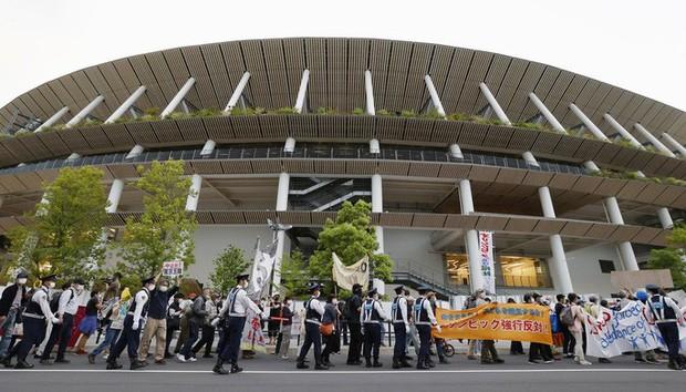 Bất an với Covid-19, người dân Nhật Bản đòi hủy Thế vận hội Tokyo - Ảnh 5.