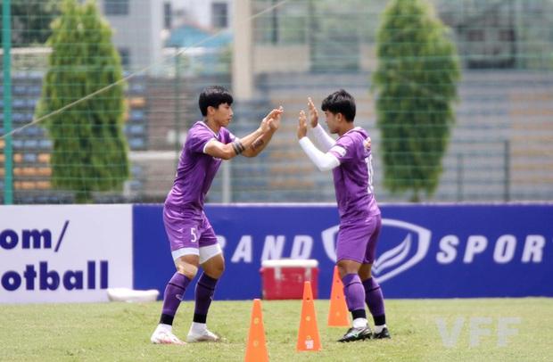 Văn Hậu báo tin vui cho HLV Park Hang-seo, Xuân Trường vẫn tập riêng - Ảnh 5.
