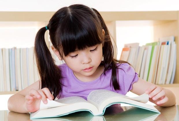 Cậu bé 4 tuổi đã biết hàng ngàn từ vựng, ai cũng ngỡ là thần đồng nhưng chỉ nhờ 1 việc làm đơn giản của bà ngoại - Ảnh 5.