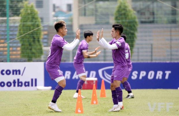 Văn Hậu báo tin vui cho HLV Park Hang-seo, Xuân Trường vẫn tập riêng - Ảnh 6.