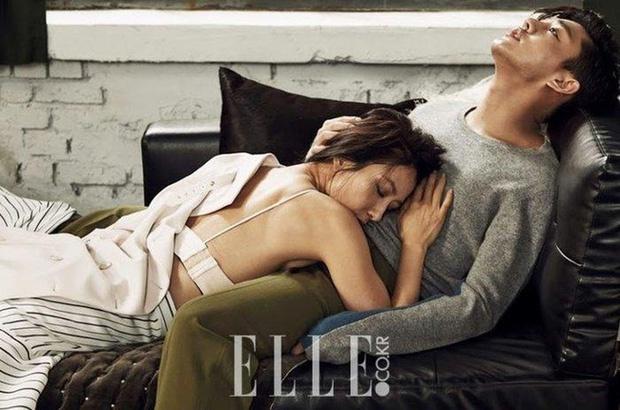 Top ảnh tạp chí đôi đẹp nhất xứ Hàn: Sốc nặng bàn tay hư Yoo Ah In đặt lên body bà cả Thế Giới Hôn Nhân, Hyun Bin - Son Ye Jin đúng huyền thoại - Ảnh 5.