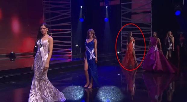 Khánh Vân ghi điểm bởi hành động cực tinh tế ở Miss Universe: Đứng sau để tránh che Hoa hậu nước bạn - Ảnh 6.