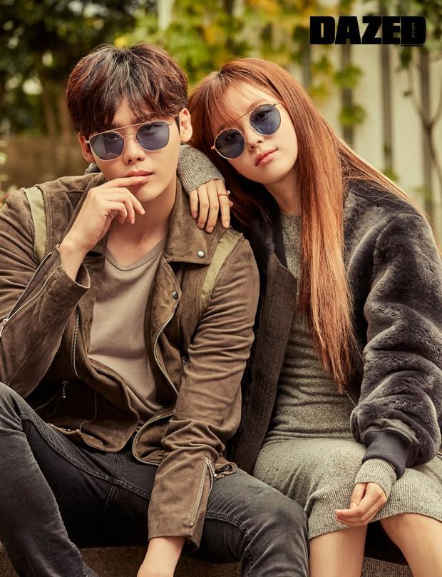 Top ảnh tạp chí đôi đẹp nhất xứ Hàn: Sốc nặng bàn tay hư Yoo Ah In đặt lên body bà cả Thế Giới Hôn Nhân, Hyun Bin - Son Ye Jin đúng huyền thoại - Ảnh 15.